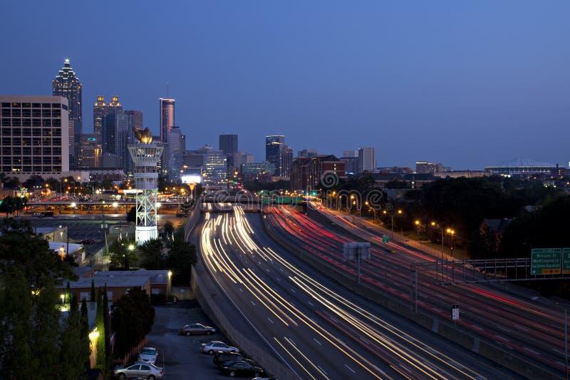 Horizonte céntrico de Atlanta imagenes de archivo