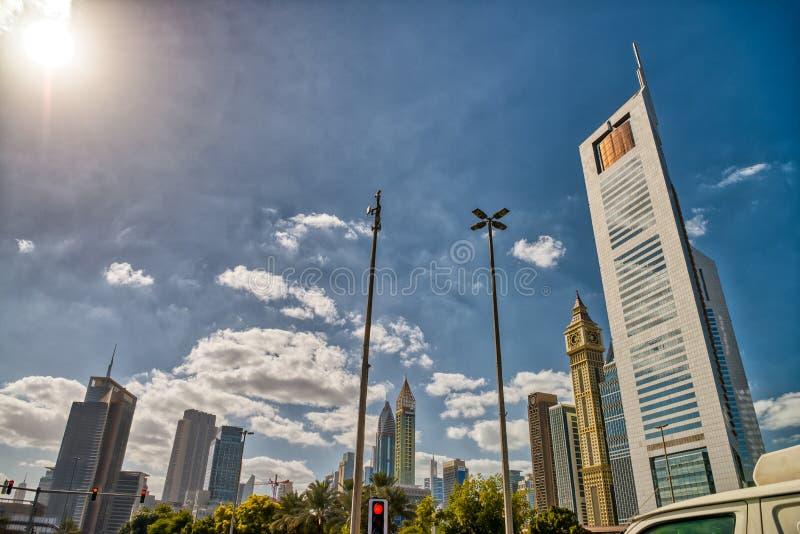Horizonte céntrico de Dubai de un día nublado foto de archivo libre de regalías
