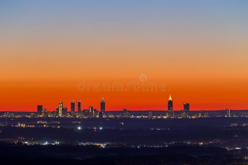 Horizonte céntrico de la puesta del sol de Atlanta imágenes de archivo libres de regalías