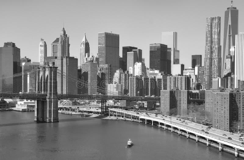 Download Horizonte Céntrico De Manhattan Imagen de archivo - Imagen de puente, urbano: 41902435
