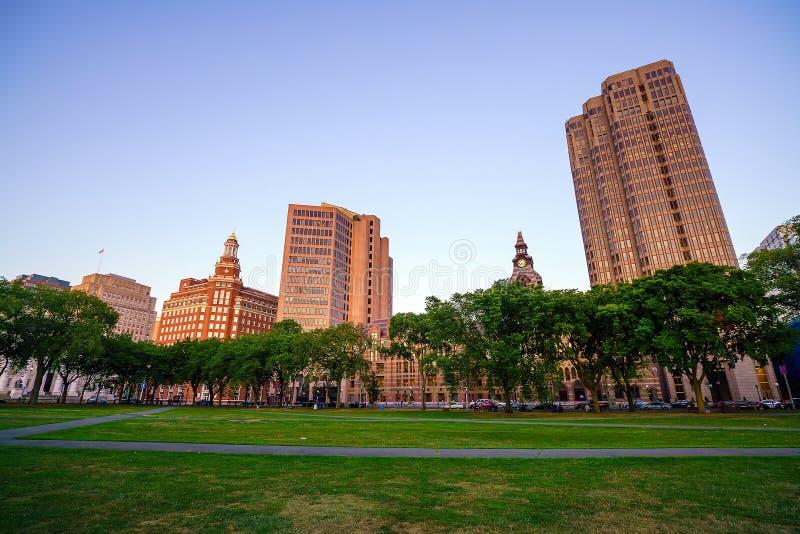 Horizonte céntrico de New Haven en el crepúsculo imágenes de archivo libres de regalías