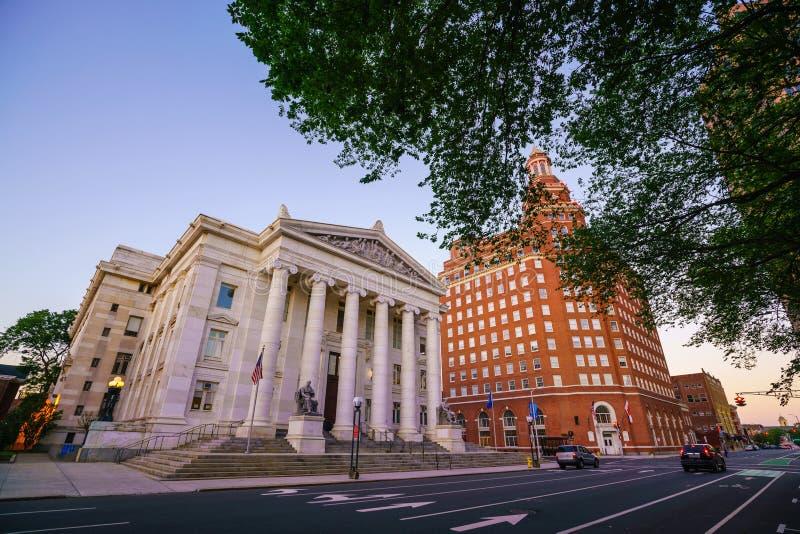 Horizonte céntrico de New Haven en el crepúsculo foto de archivo libre de regalías