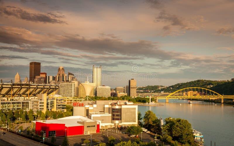 Horizonte céntrico de Pittsburgh foto de archivo libre de regalías