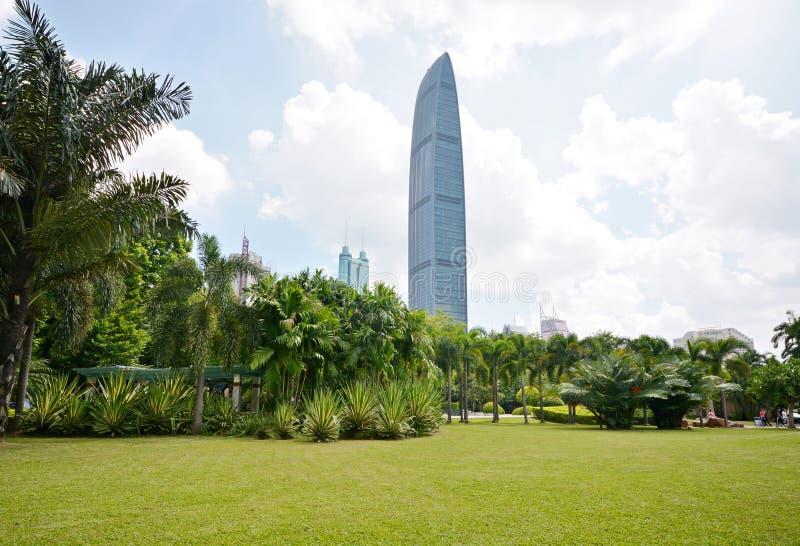 Horizonte constructivo moderno de la ciudad de Shenzhen, China fotos de archivo