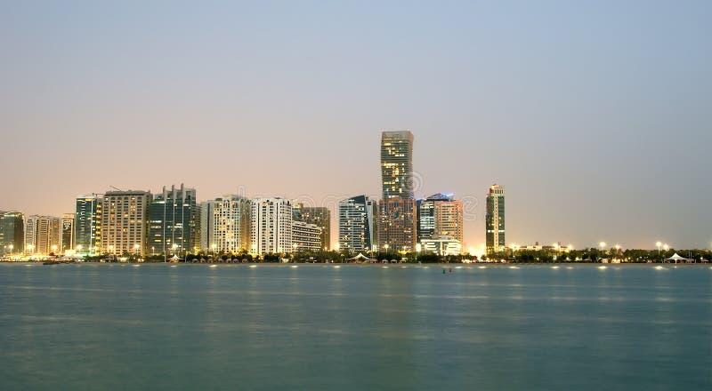 Horizonte de Abu Dhabi, United Arab Emirates fotos de archivo libres de regalías