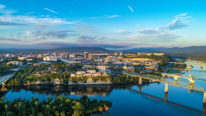 Horizonte de Chattanooga céntrica, Tennessee TN foto de archivo libre de regalías