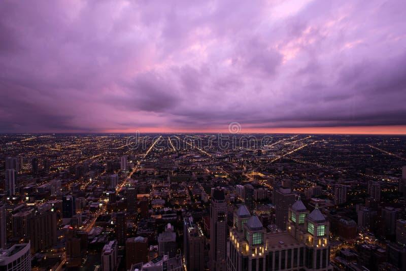 Horizonte de Chicago visto de Skydeck en la torre de Willis foto de archivo