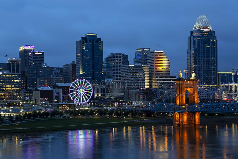 Horizonte de Cincinnati, Ohio foto de archivo