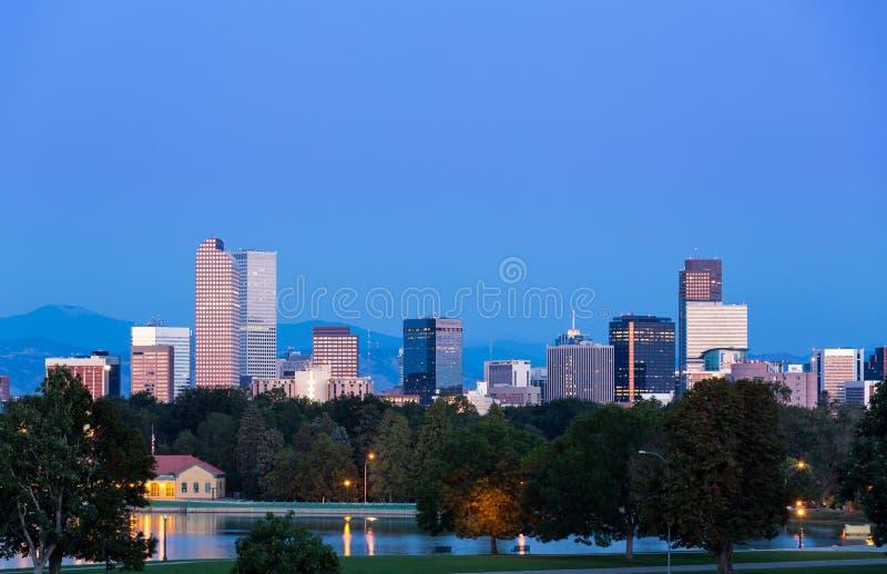 Horizonte de Denver en el amanecer imagen de archivo libre de regalías