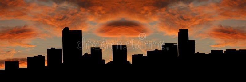 Horizonte de Denver en la puesta del sol ilustración del vector