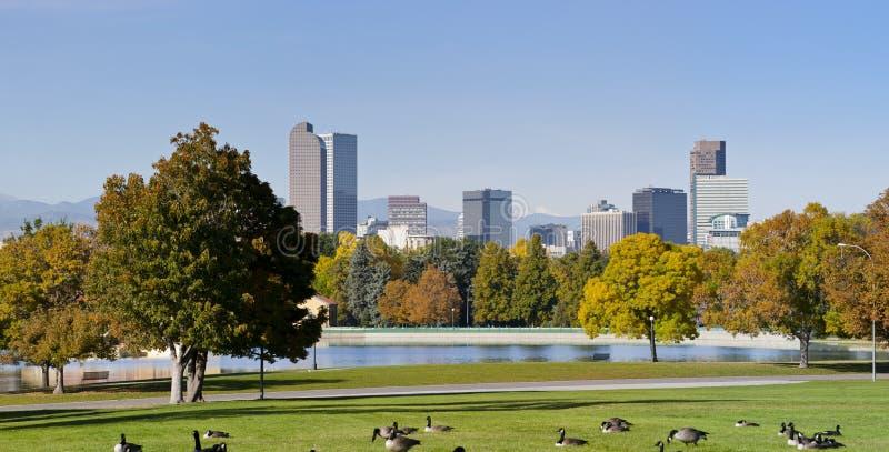 Horizonte de Denver en otoño imágenes de archivo libres de regalías