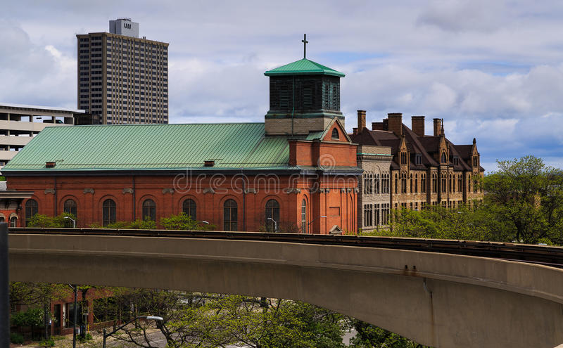 Horizonte de Detroit durante vintage del día y nuevos edificios fotografía de archivo libre de regalías