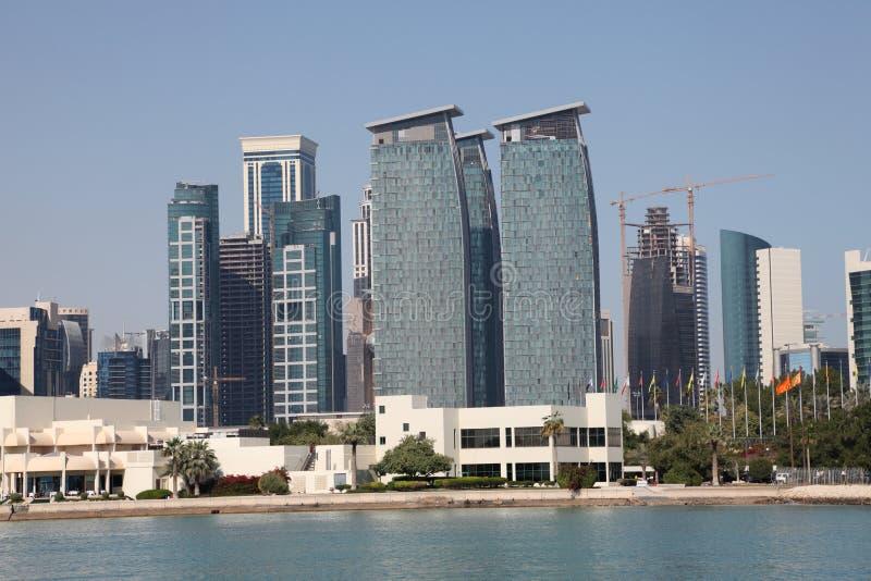 Horizonte de Doha céntrico foto de archivo libre de regalías