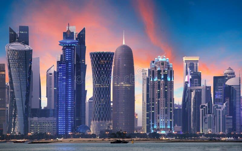Horizonte de Doha, Qatar fotos de archivo libres de regalías