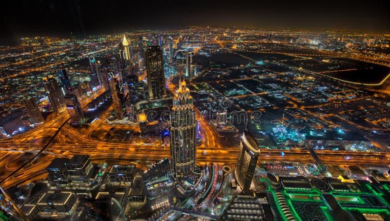 Horizonte de Dubai durante la salida del sol, United Arab Emirates fotografía de archivo libre de regalías