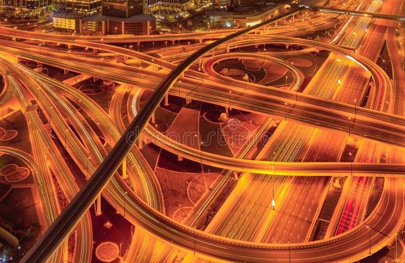 Horizonte de Dubai durante la salida del sol, United Arab Emirates fotografía de archivo