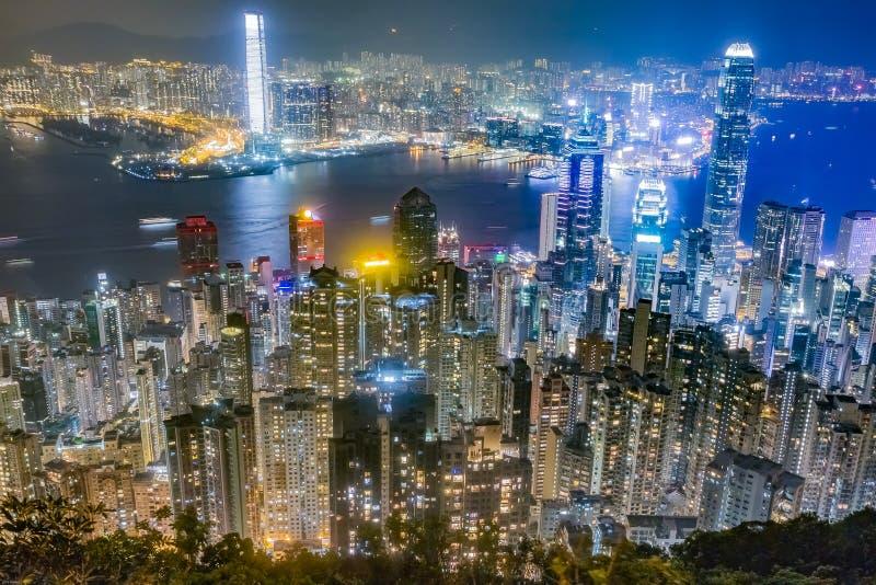 Horizonte de Hong Kong en la noche según lo visto de Victoria Peak foto de archivo