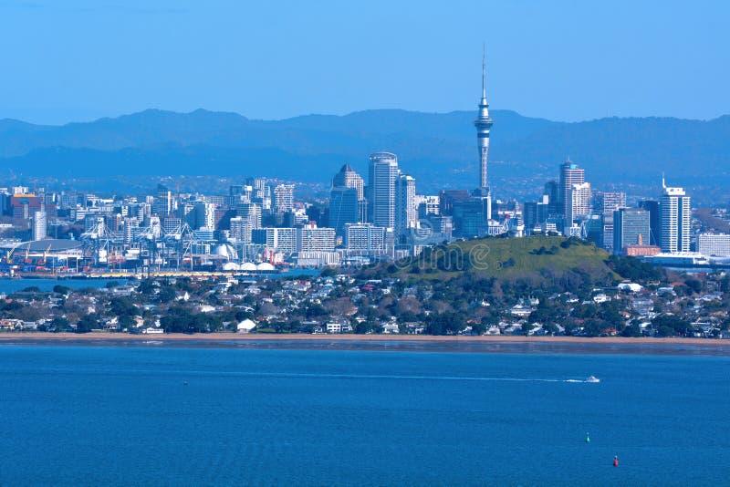 Horizonte de la ciudad de Auckland de la isla Nueva Zelanda de Rangitoto fotos de archivo libres de regalías