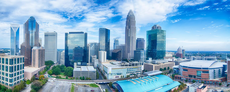 horizonte de la ciudad de Charlotte Carolina del Norte y céntrico imágenes de archivo libres de regalías