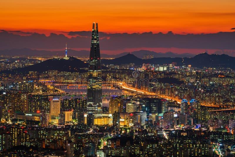 Horizonte de la ciudad de Seul, la mejor vista de la Corea del Sur imagenes de archivo
