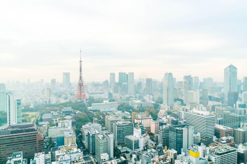 Horizonte de la ciudad de Tokio en la oscuridad imagen de archivo libre de regalías
