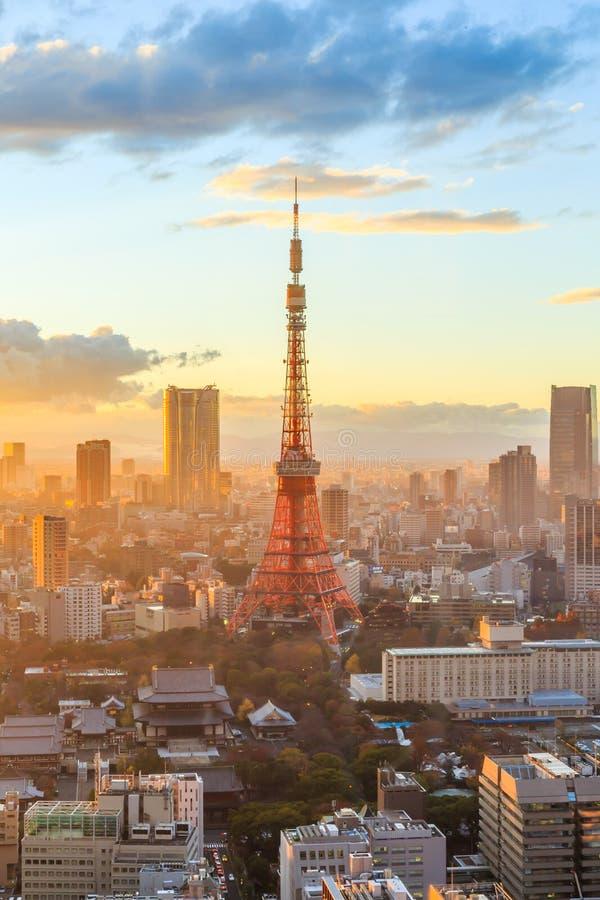 Horizonte de la ciudad de Tokio en la puesta del sol en Tokio fotografía de archivo