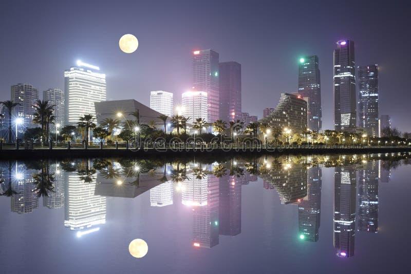 Horizonte de la ciudad, Xiamen, China imagen de archivo