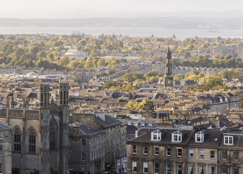 Horizonte de la iglesia parroquial y de Edimburgo del St Marys fotos de archivo libres de regalías