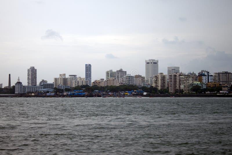 Horizonte de la megalópoli Mumbai fotos de archivo