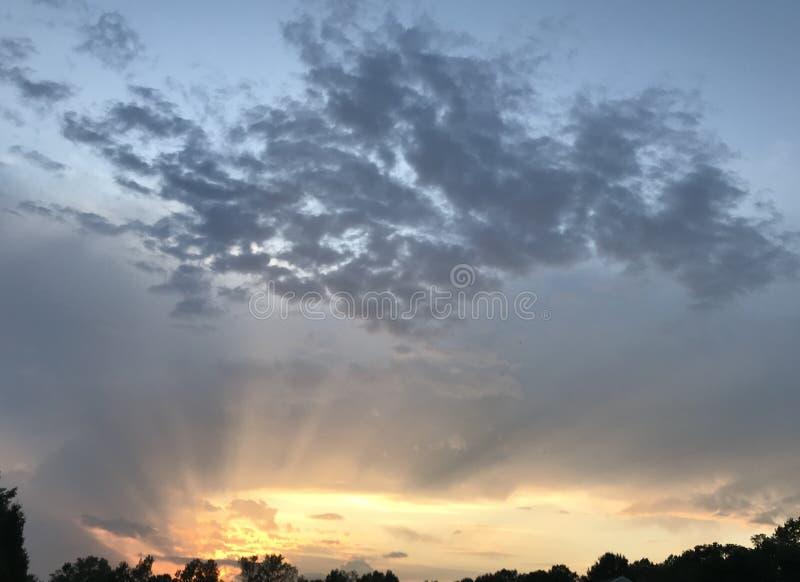 Horizonte de la puesta del sol imagenes de archivo