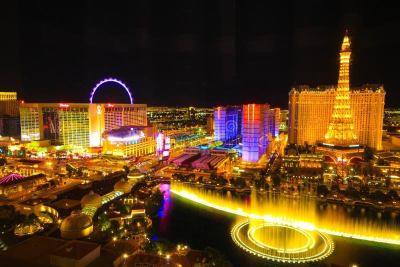 Horizonte de Las Vegas en la noche imágenes de archivo libres de regalías