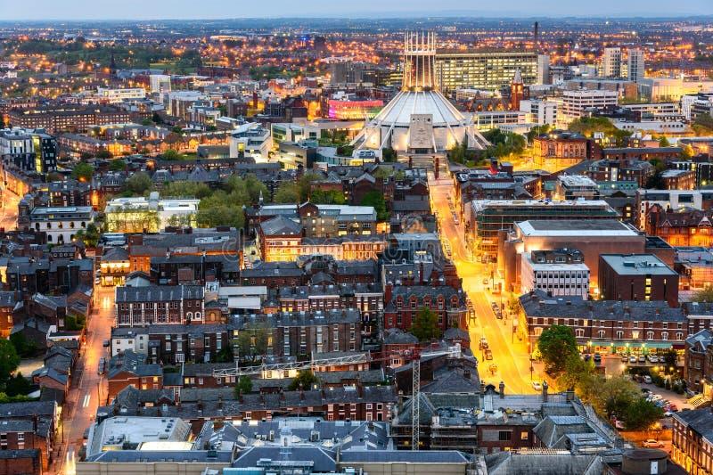 Horizonte de Liverpool y catedral metropolitana fotos de archivo libres de regalías