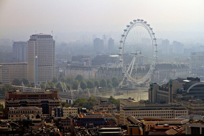 Horizonte de Londres, Támesis y ojo de Londres imagen de archivo libre de regalías