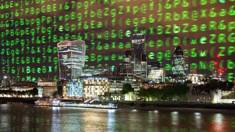 Horizonte de Londres y código de datos imagenes de archivo