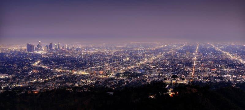 Horizonte de Los Ángeles en la noche imágenes de archivo libres de regalías