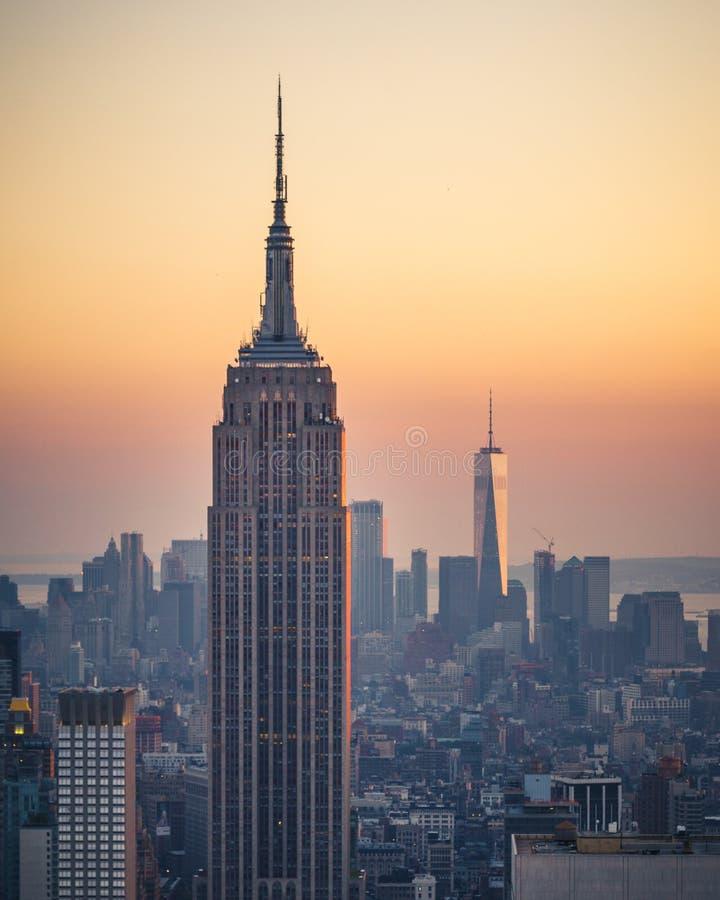 Horizonte de Manhattan en la puesta del sol, New York City, Estados Unidos de Ame foto de archivo libre de regalías