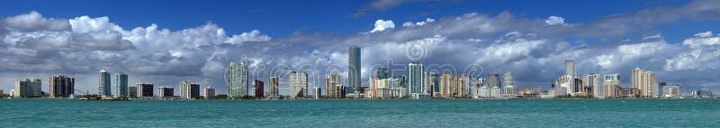Horizonte de Miami fotos de archivo