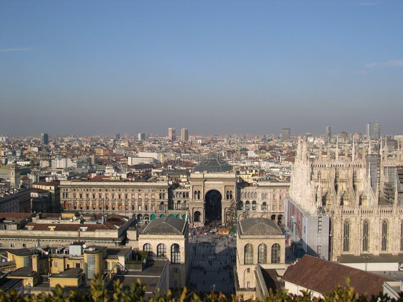 Horizonte de Milano imagenes de archivo