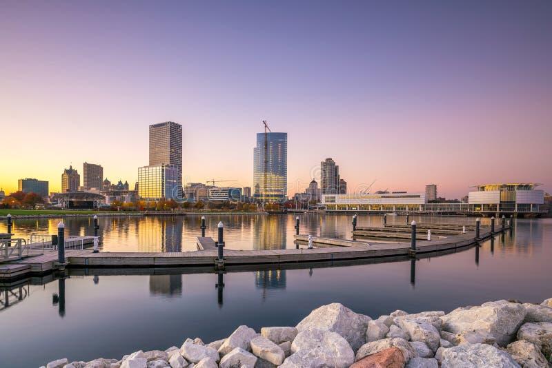 Horizonte de Milwaukee fotografía de archivo libre de regalías
