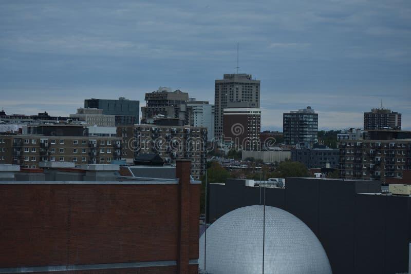 Horizonte de Montreal céntrica, Canadá fotografía de archivo libre de regalías