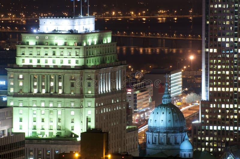 Horizonte de Montreal en la noche fotografía de archivo libre de regalías
