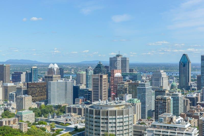 Horizonte de Montreal en verano imagen de archivo libre de regalías