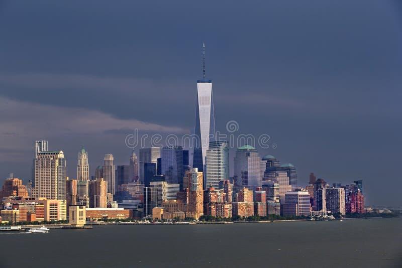 Horizonte de New York City Manhattan - Freedom Tower imágenes de archivo libres de regalías
