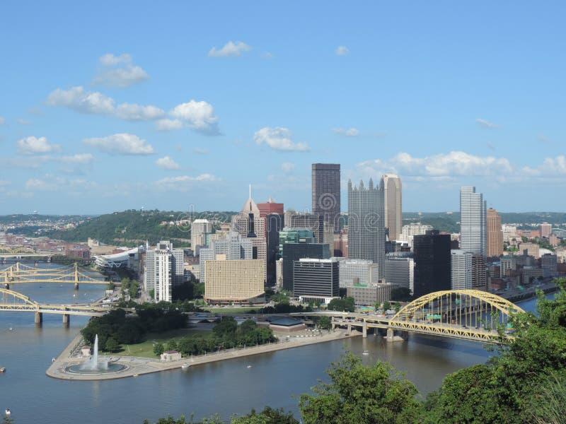 Horizonte de Pittsburgh imagen de archivo