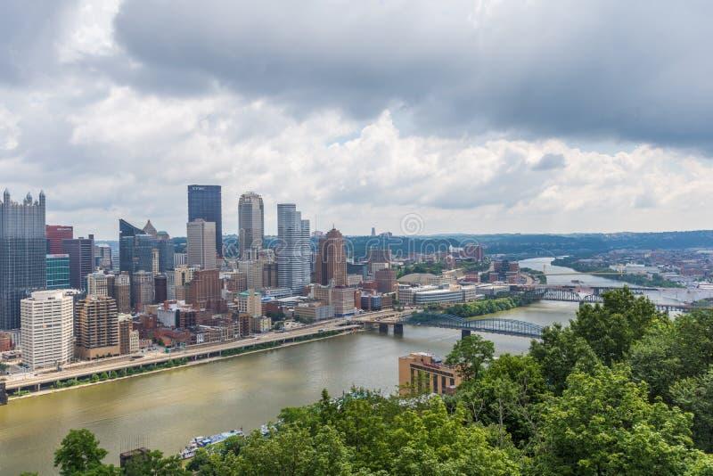 Horizonte de Pittsburgh, Pennsylvania del soporte Washington fotos de archivo