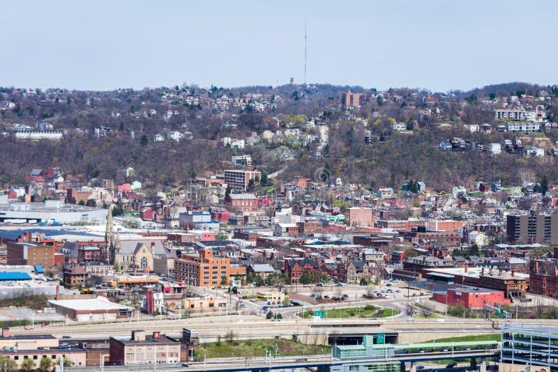 Horizonte de Pittsburgh, Pennsylvania en la noche del washingt del soporte imagen de archivo libre de regalías