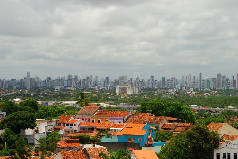 Horizonte de Recife. Visión desde Olinda, Pernambuco, el Brasil foto de archivo