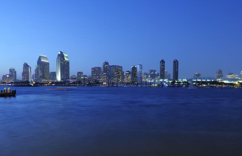 Horizonte de San Diego en la noche imagen de archivo libre de regalías