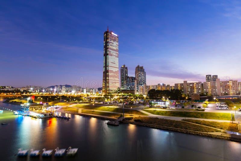Horizonte de Seul en la noche fotos de archivo libres de regalías