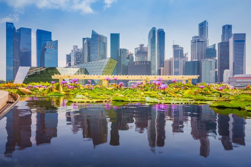 Horizonte de Singapur del distrito financiero y de Marina Bay en día, FO fotografía de archivo